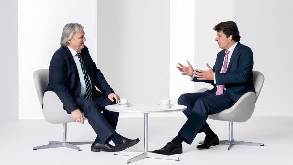 Der Vorstandsvorsitzende Klaus Rosenfeld und sein Stellvertreter Prof. Dr.-Ing. Peter Gutzmer im Gespräch.