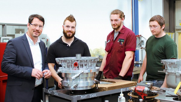 Patrick Lindemann (left) and his team keep the motion going in Wooster/U.S.