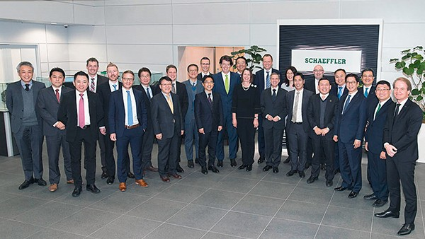 "Kick-off for the ""Leadership & Corporate Values"" initiative, which is part of Schaeffler's program for the future ""Agenda 4 plus One"", in the Asia/Pacific region: In local workshops, Schaeffler executives provide information about the new corporate leadership culture. The roadshow in Yokohama marks the opening event."