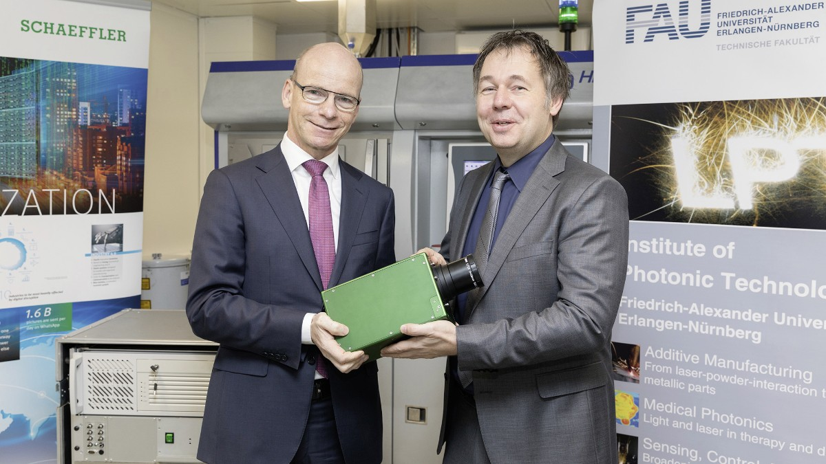 With high-speed to new insights: Researchers receive thermographic camera from Schaeffler