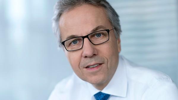Dr. Stefan Spindler: Vorstand Industrial