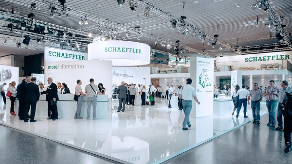 Schaeffler places a high value on open dialog, e. g. at fairs.