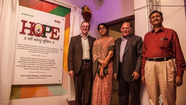 """Die Schaeffler Gruppe will in den Regionen und Ländern, in denen sie Geschäftsstandorte betreibt, auch einen gesellschaftlichen Beitrag zu leisten. Beispielsweise mit der """"HOPE CSR-Initiative"""" in Indien."""