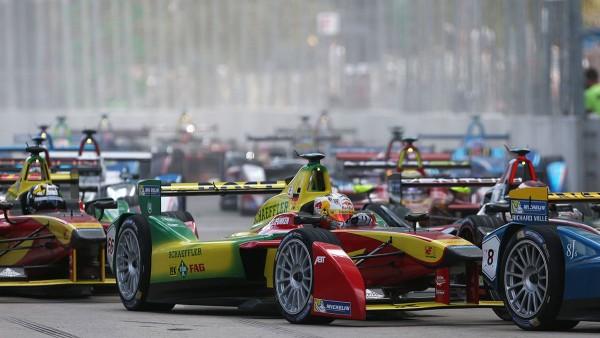 Die Formel E begeistert Teams, Fahrer und Fans auf Anhieb.