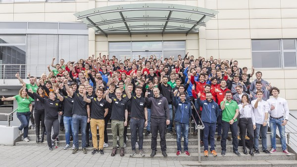 Participants of the Schaeffler Motorsport Academy in front of Schaeffler's headquarters