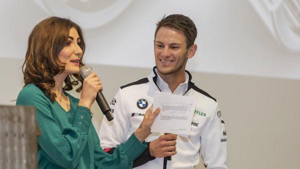 Formula-Student-Teilnehmer und Schaeffler-Repräsentanten bei der Motorsport Academy in Herzogenaurach