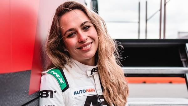 Sophia Flörsch starts her first DTM season.
