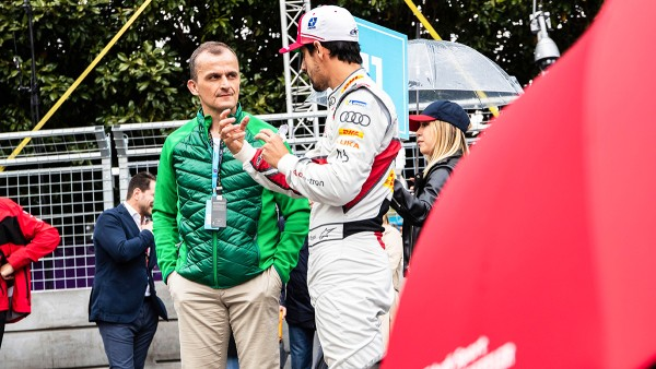 Matthias Zink and Lucas di Grassi (from left)