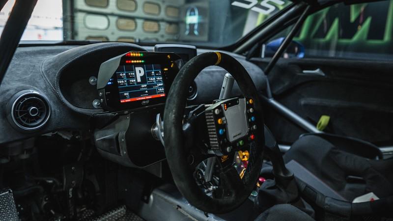 Zeigt großes Potenzial auf der Rennstrecke und im Straßenverkehr: die Steer-by-Wire-Technologie Space Drive