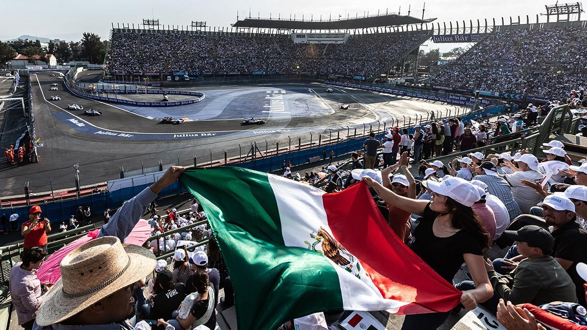 Mega-Metropole Mexiko-Stadt – die rund neun Millionen Einwohner machen auch die Formel-E-Tribünen leicht voll.