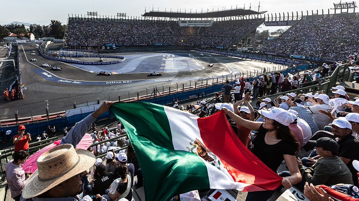 Megalopolis Mexico City – the city's roughly nine million residents easily fill the Formula E grandstands, too.