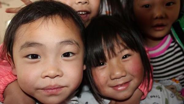 舍弗勒大中华区在四川成立希望小学,帮助2008年汶川地震后失学的孩子们。