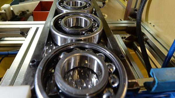 舍弗勒(宁夏)有限公司启用新厂房,扩大生产。
