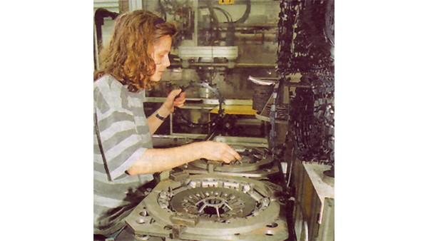Elindult a teljes termelés az előző év végi sikeres próbagyártás után.