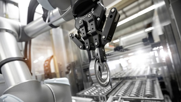 Dynamic motion systems for robot-based automation