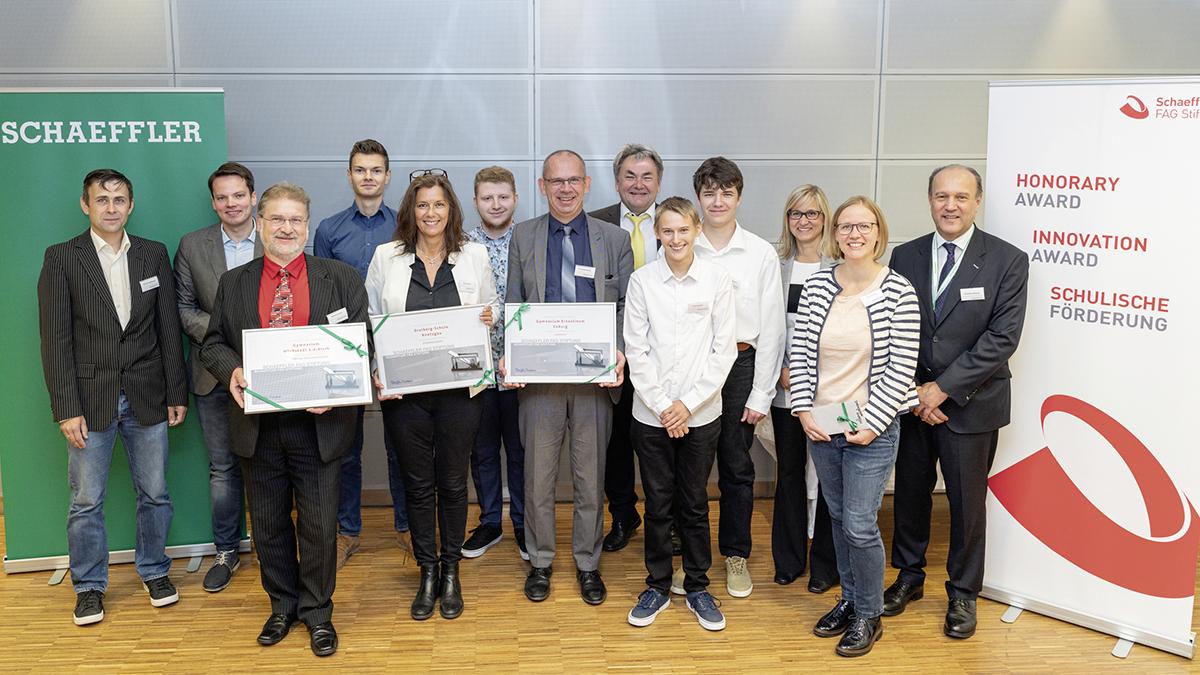 Schaeffler FAG Stiftung zeichnet Schulen mit Innovation Award aus