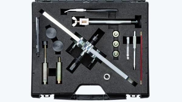 In dem eigens angefertigten Werkzeugkoffer sind alle Teile passgenau und sicher eingebettet und zugleich in sinnvoller Reihenfolge für eine leichte Entnahme angeordnet.
