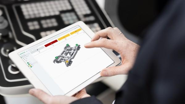 El operador o el técnico de mantenimiento están conectados a la nube y pueden monitorizar el estado de los rodamientos de cajas de grasa individuales e incluso de cajas de grasa y bogies completos.