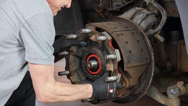 Ganz gleich ob Pkw, leichte und schwere Nutzfahrzeuge oder Traktoren – die REPXPERT-Trainer sind Experten auf jedem Gebiet.