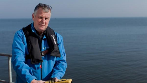Auf der Versuchsanlage in Afsluitdijk: Hans van Breugel,  CEO des Turbinenherstellers Tocardo