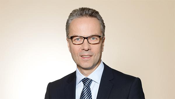 Dr. Stefan Spindler: Vorstand Industrie