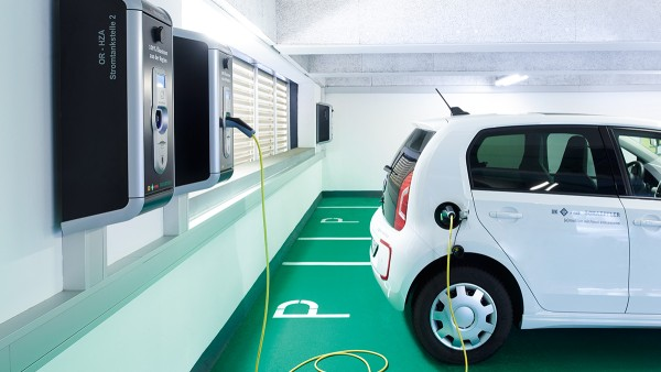 Schaeffler provides charging infrastructure for electric vehicles at five German locations.