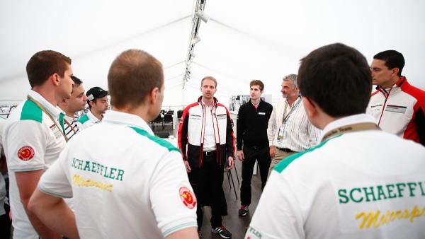 Spitzen-Ingenieure von Schaeffler und Porsche im Austausch