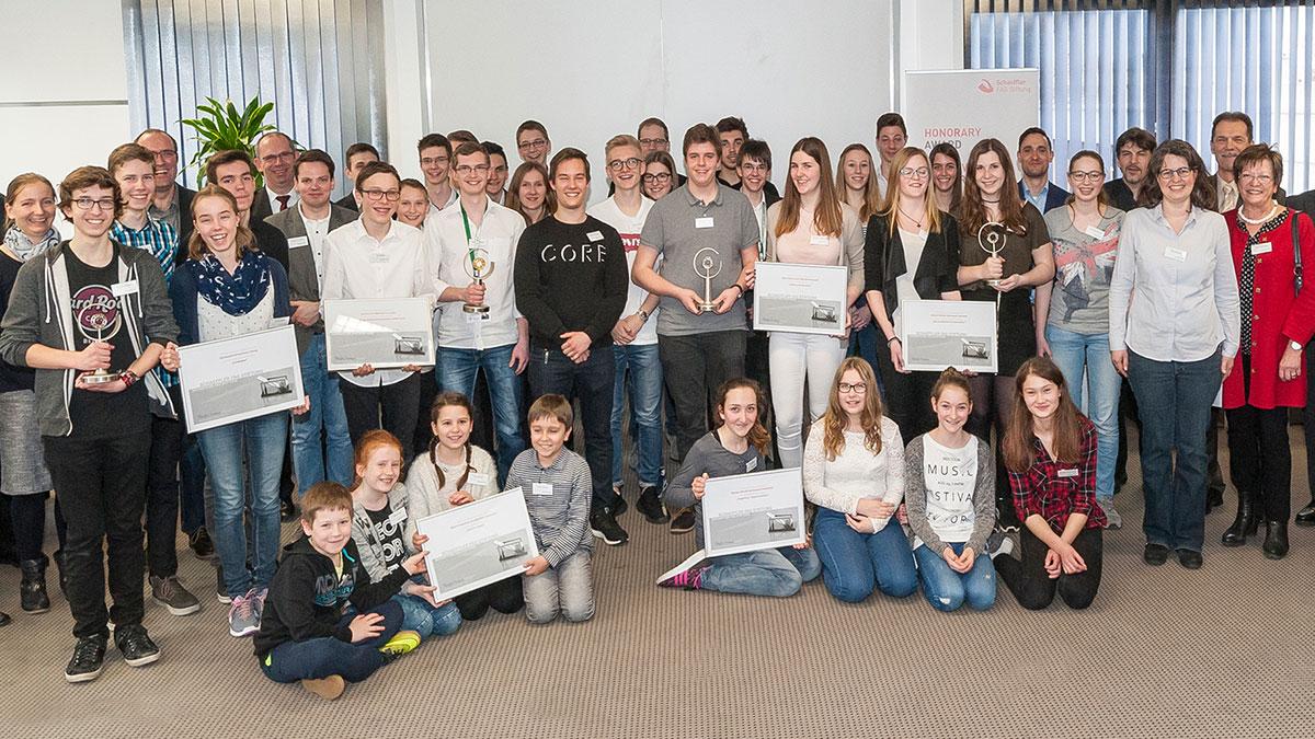 Innovation Award 2016 für schulische Förderung – Schaeffler FAG Stiftung vergibt Preisgelder in Höhe von 7.500 Euro