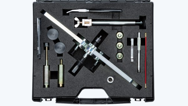 All parts are precision-fit to be safely embedded in the self-produced tool case. They are also organized in a logical way that makes them easy to remove while working with them.